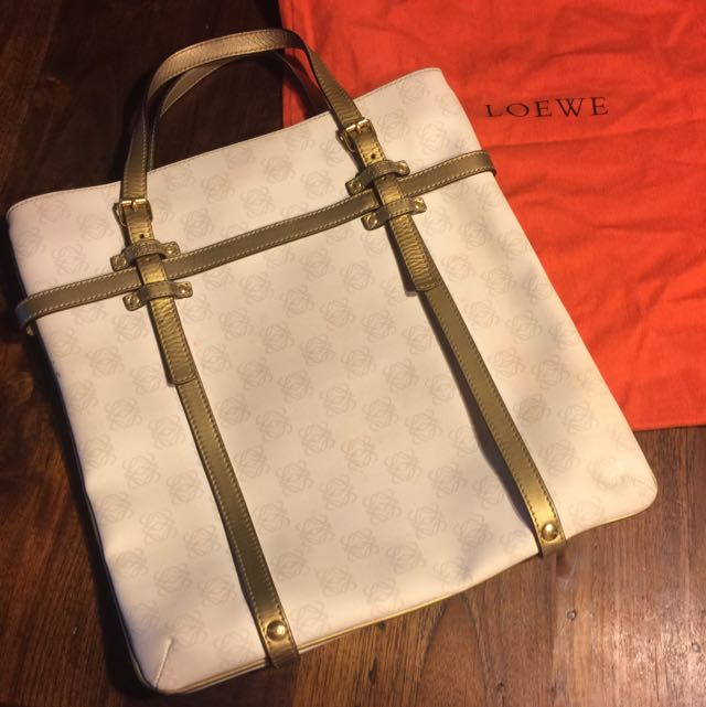 二手Loewe手提包,多年前購於台北101專櫃,少用出清