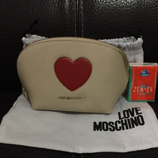 moschino化妝袋