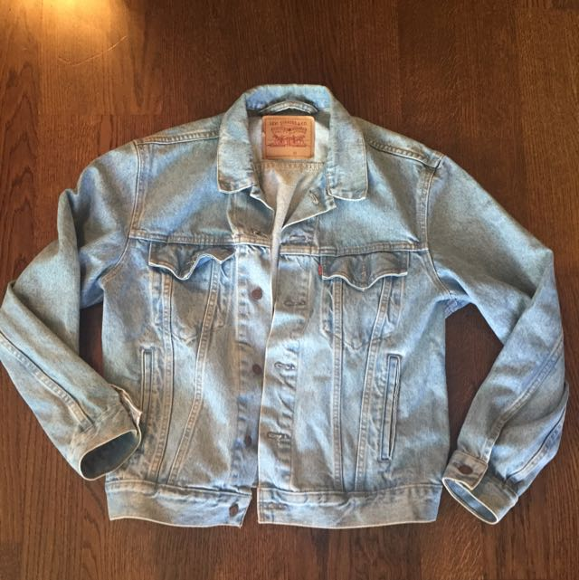 Oversized Levi's Jean Jacket