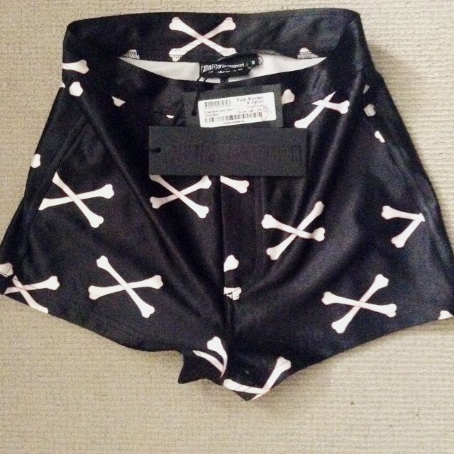 Size 8 Pulp Kitchen Cross Bone Disco Short