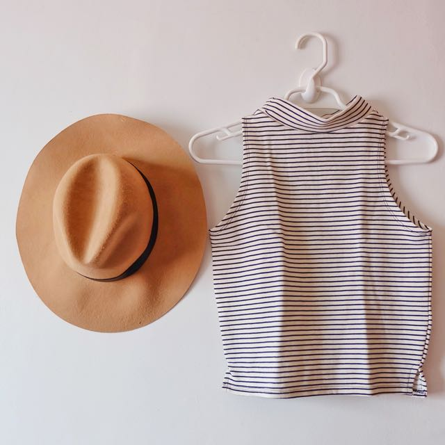 (NEW) Stripes T-neck Top