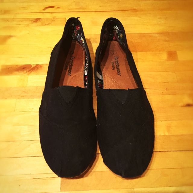 Toms-Like Size 7