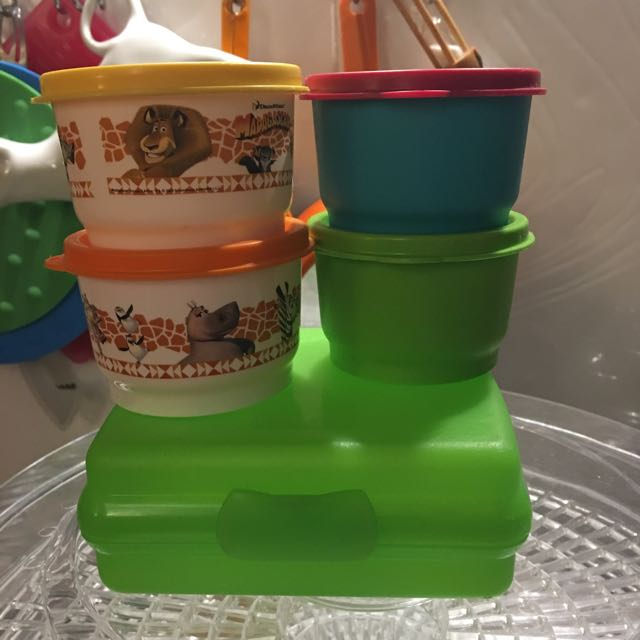 Tupperware Madagascar Snack Cup And Sandwich Keeper + 2