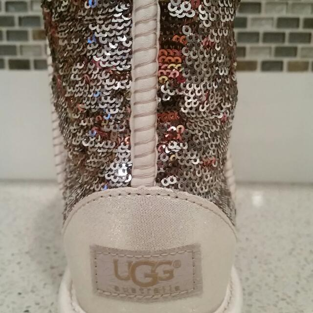 UGG:New:Size7:Authentic