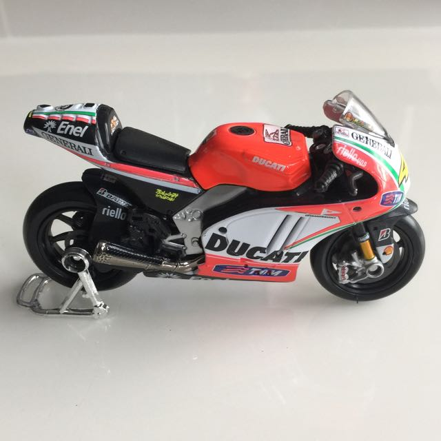 Valentino Rossi MotoGP Championship 2012 Bike Collection 1 18 Ducati