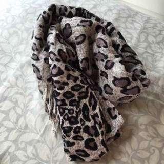 時尚豹紋圍巾絲巾