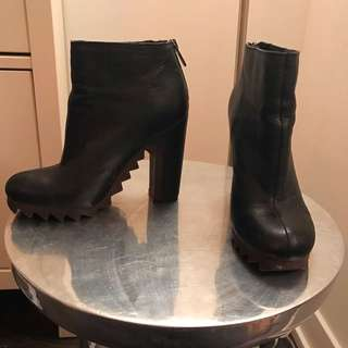 Circus By Sam Edelman Black Leather Heeled Boot