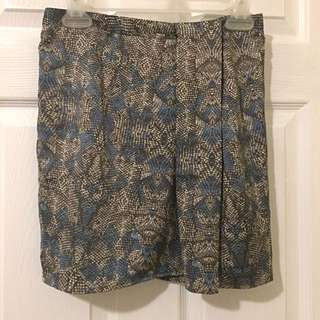 Forever 21 Contemporary-Skirt (size Small)