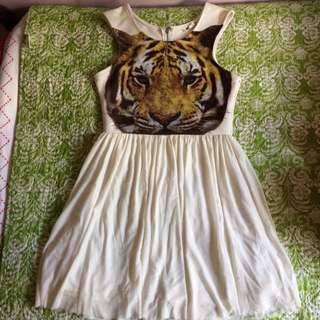 Mooloola Tiger Dress Size 10