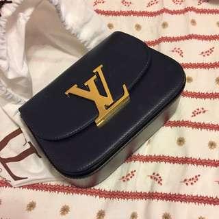 Louis-Vuitton Dark Blue Hand Bang