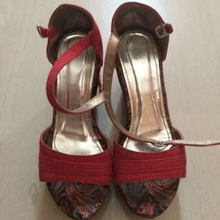 Sale!!! Preloved Liliw sandals (Repriced)