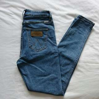 Wrangler High Pins Jeans Size 8