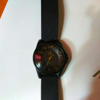 QnQ Casual Analog Watch BlackxGold
