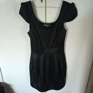 Black Dress Capped Sleeves XS