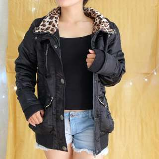 BLACK JACKET WITH LEOPARD PRINT