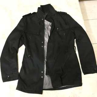 軍裝黑大衣