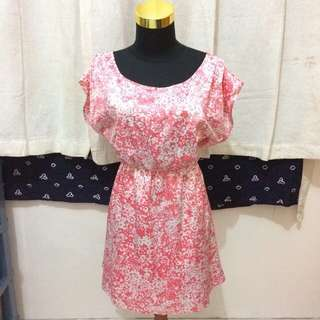 The Executive Pink Flowery Dress Size XL
