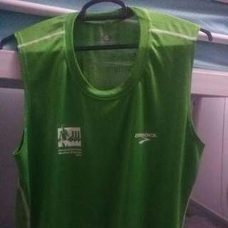 2016 Brooks M sized Standard Chartered Marathon Singlet