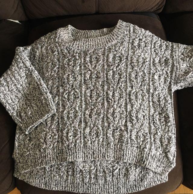 3/4 Length Sleeve Hand m  Knit Sweater