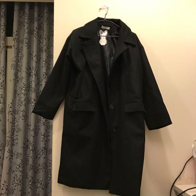 黑色長版西裝大衣外套