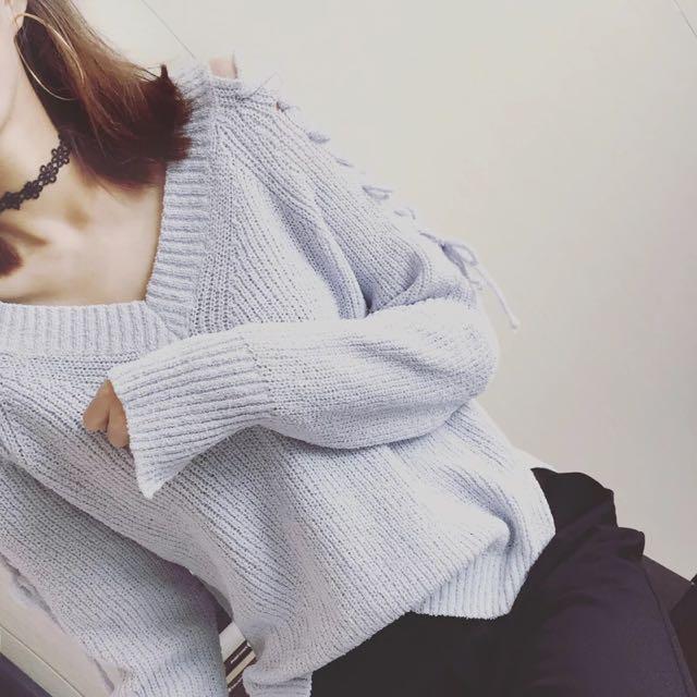 現貨 韓國chic風交叉綁帶鏤空V領針織毛衣