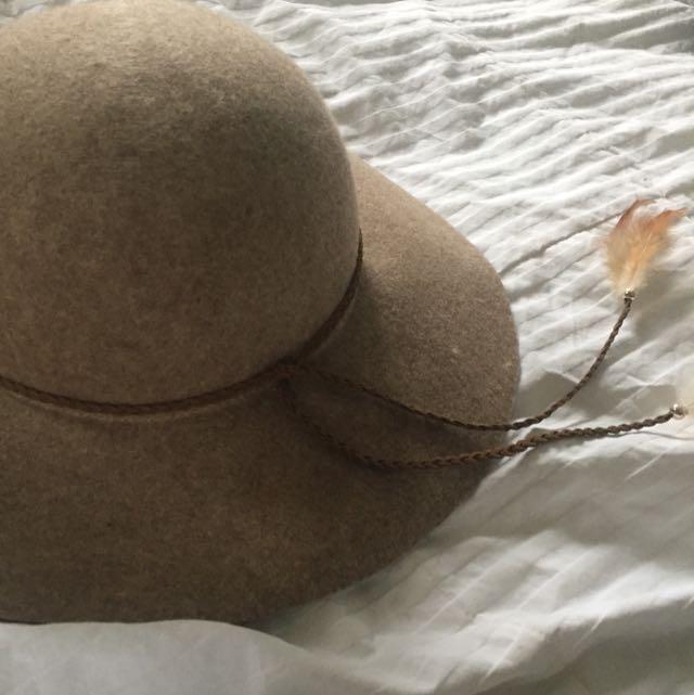 AEO Floppy Hat