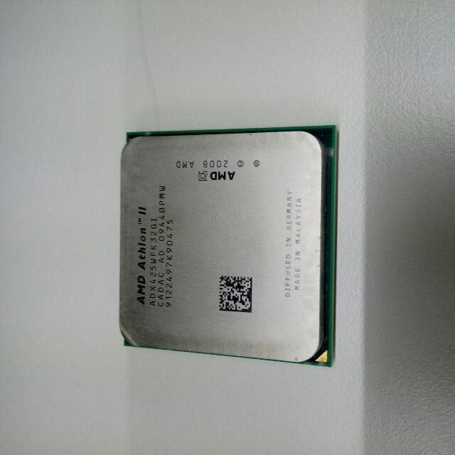 AMD Athlon II X3 425/2.7Ghz