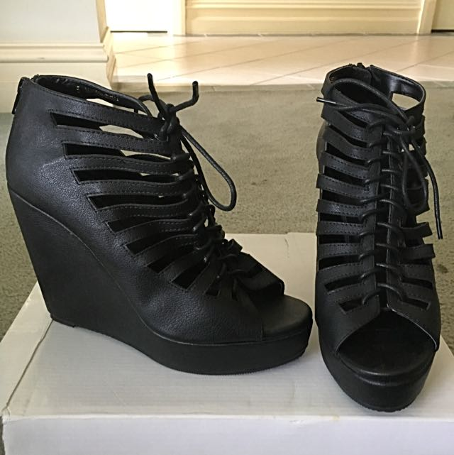 Asos - Honor, size UK 5 or AU 7