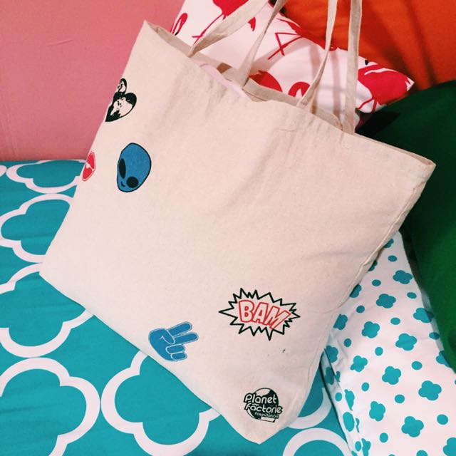 BADGES TOTE BAG by FACTORIE MALAYSIA