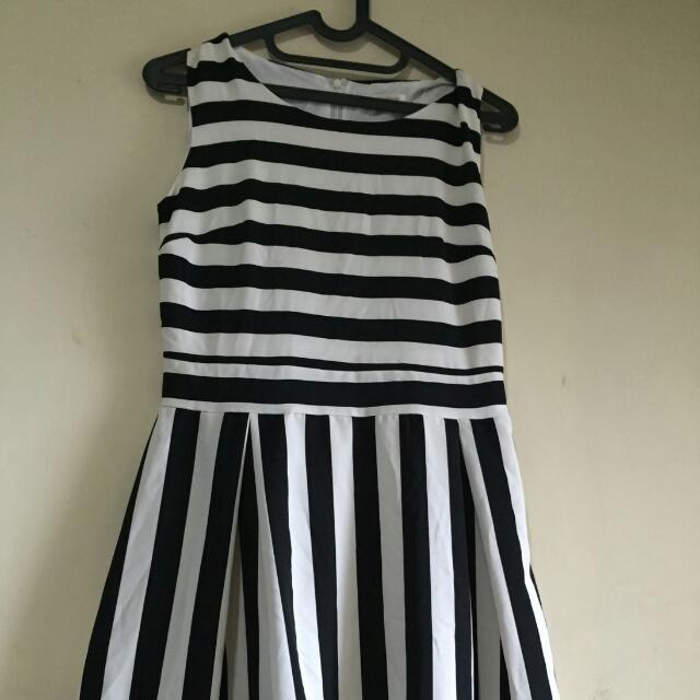 dress stripe (garisgaris)