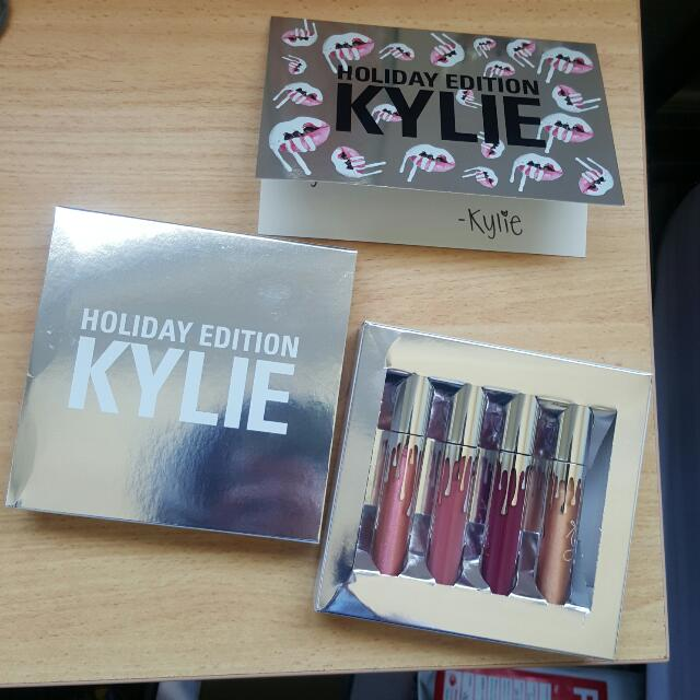 FULL-SIZE 4pc HOLIDAY KIT By Kylie Cosmetics