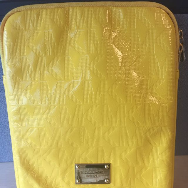 MK Ipad Pouch (Authentic)