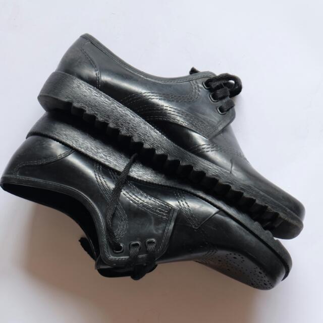 OFXORD BLACK SHOES