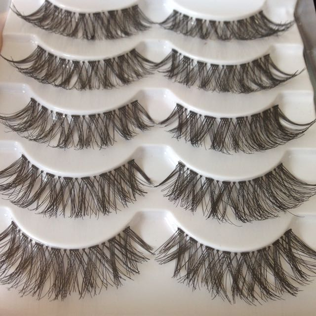 SALE! 2 X OF DRAMATIC LASHES