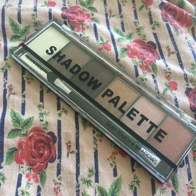 Santee Eyeshadow Palette
