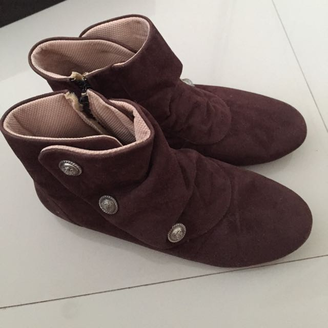 Sepatu Boot Coklat