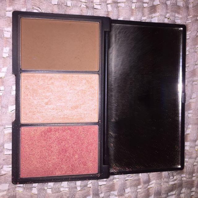 SLEEK PALETTE Face Form Contouring & Blush Palette