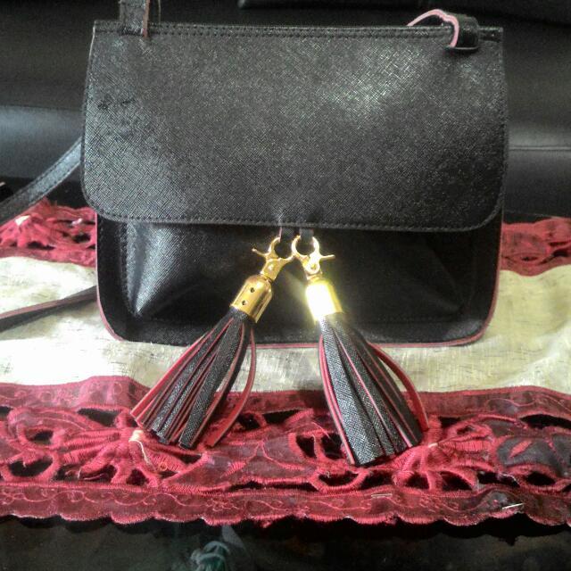 sling bag tassel