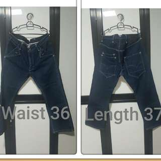 Pre Loved Authentic Levi 504 Jeans