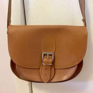 Solective Saddle Bag