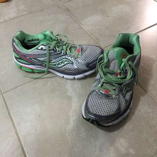 Saucony Running Shoes Size 8