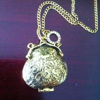 Collette Hayman Dark Gold Purse Pendant Necklace