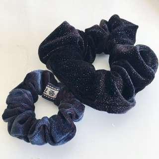 💥 2 X Velvet Scrunchies 💥