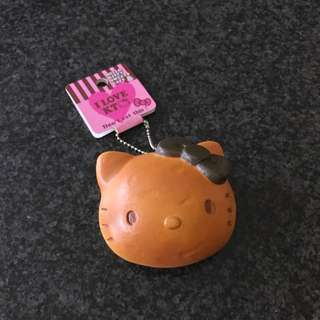 Hello Kitty Sweet's Cafe Bread Bun (Squishy)