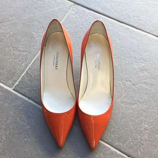 Innovare Orange Pointing Pumps