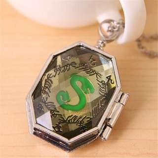 Harry Potter Salazar Slytherin Hogwarts Voldermort Horcrux Necklace Locket