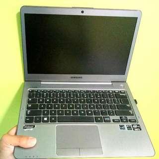 i5 Samsung Ultrabook Laptop (lightweight)