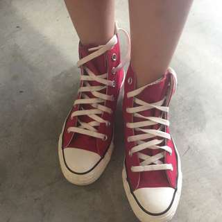 Converse Reversible Red Sneaker Size 37