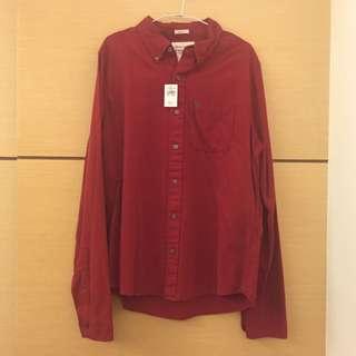 降價出售正品A&F紅色長䄂男性襯衫