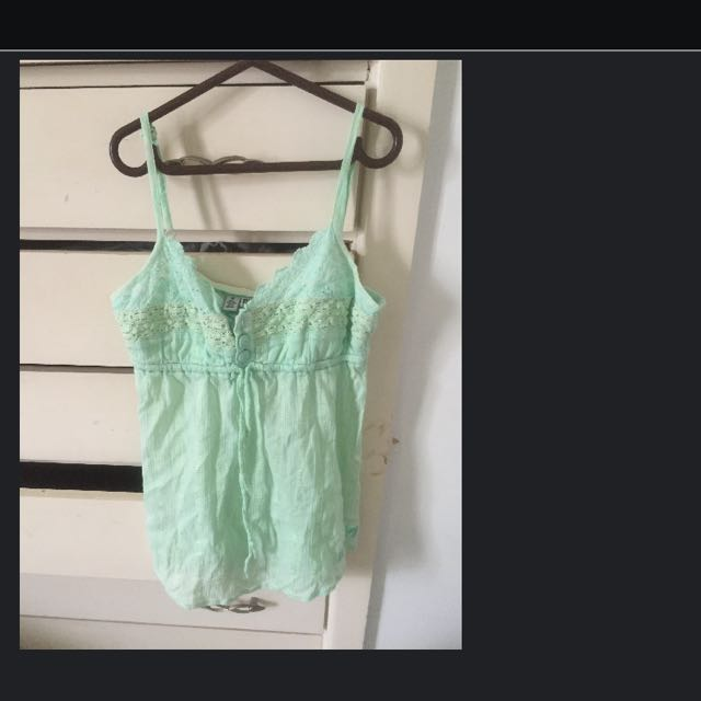 Billabong Singlet Size 8